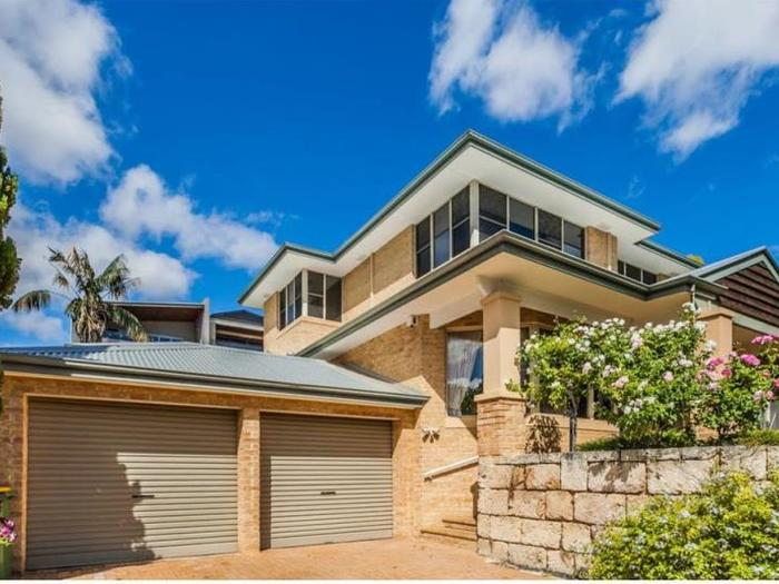 OPEN TO VIEW SAT 21 OCT 2PM
