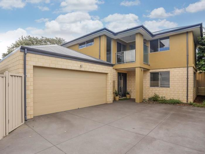 OPEN TO VIEW SAT 16 DEC 10:40AM