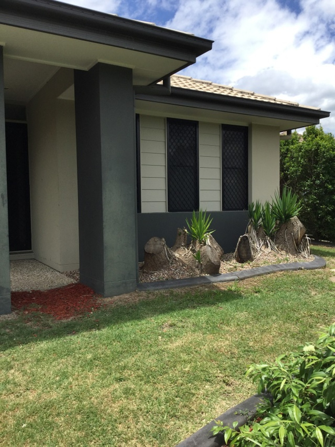 THIS 4 BEDROOM HOME IS IN SUCH A GREAT LOCATION IN NORTH LAKES