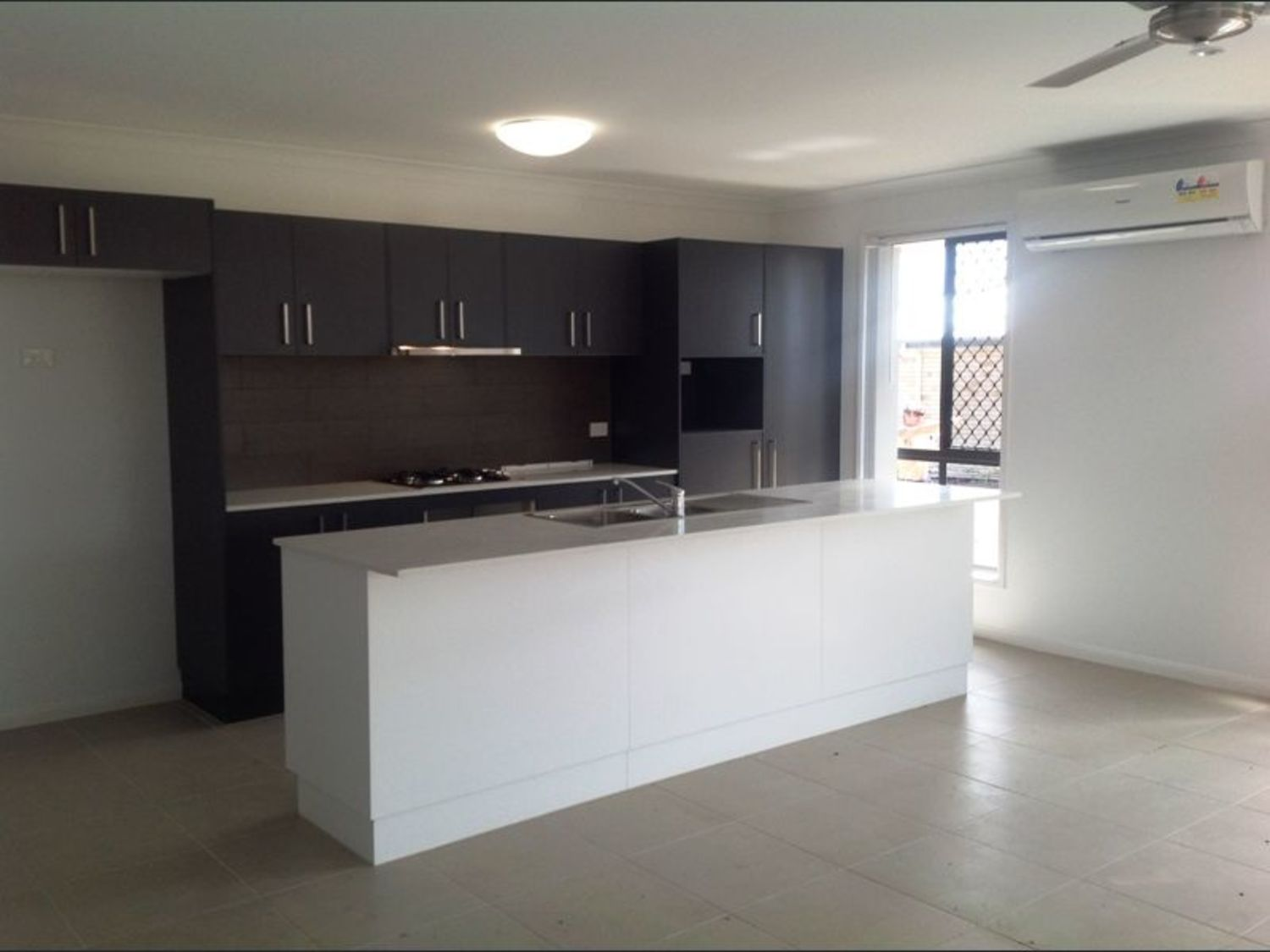 Beautiful 4 Bedroom Home - In the newest estate of Logan Reserve